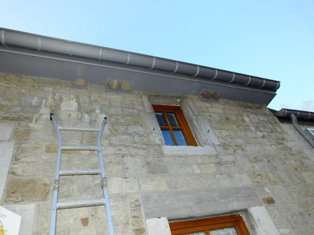 Remise en place des nichoirs hirondelles de fen tre for Histoire de la fenetre