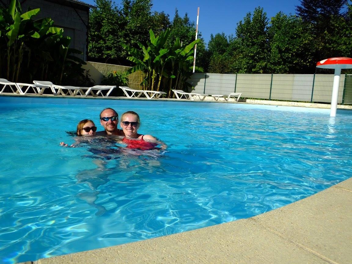 massif chartreuse piscine camping arc-en-ciel entre-deux-guiers